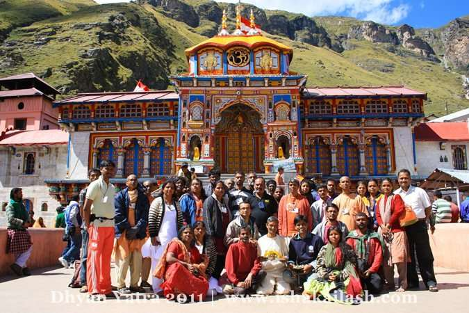 The Cheerful group in Badrinarayan temple
