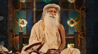 Sadhguru-Lap-of-Master-Sep2013-2