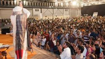 Sadhguru with 2000 participants at the Singapore MysticEye Program