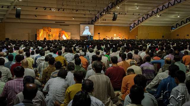 Darshan with Sadhguru