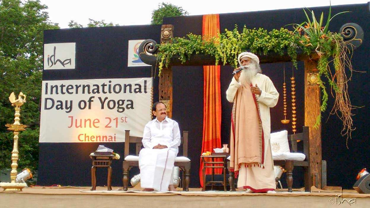 Sadhguru with Mr. M. Venkaiah Naidu, Minister of Urban Development - Chennai