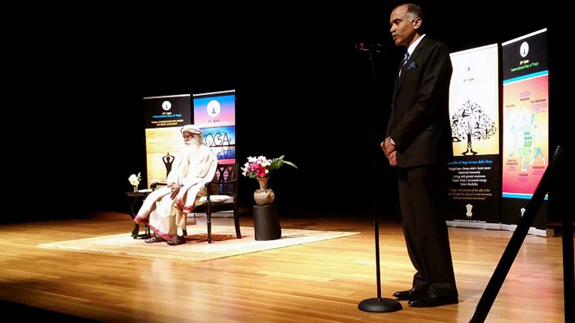India's Consul General in Houston, P Harish introduces Sadhguru