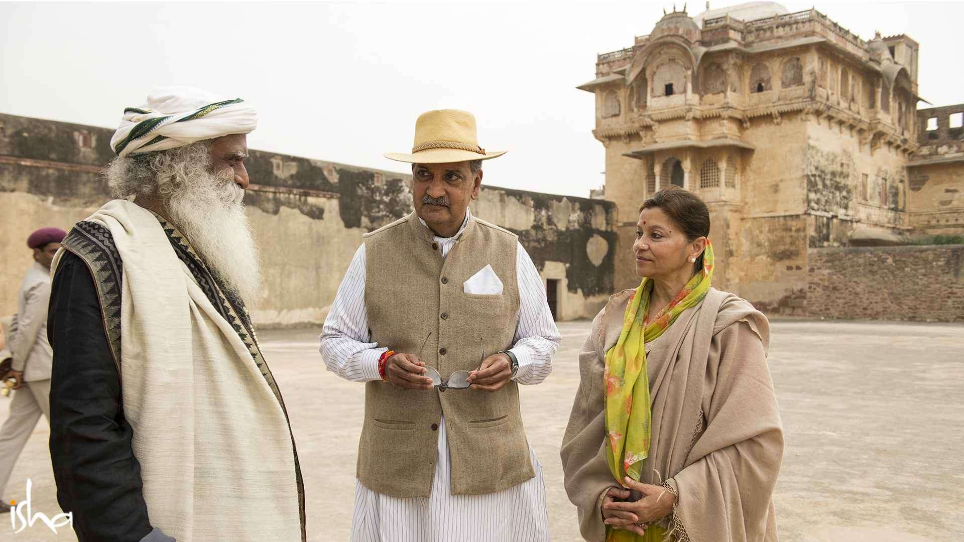 Sadhguru with Maharaja Gaj Singh II of Jodhpur and the Maharani