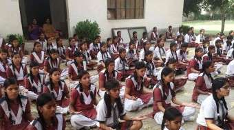 Isha Upa-Yoga in Noida's Rural Schools
