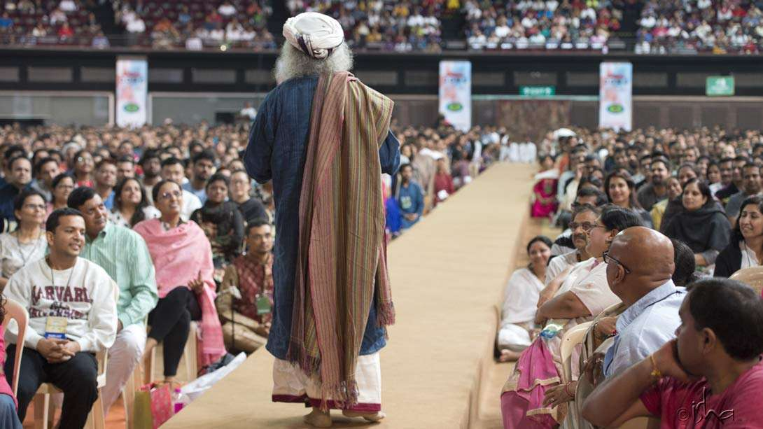 Inner Engineering with Sadhguru in Mumbai at the Sardar Vallabhbhai Patel Stadium in Mumbai
