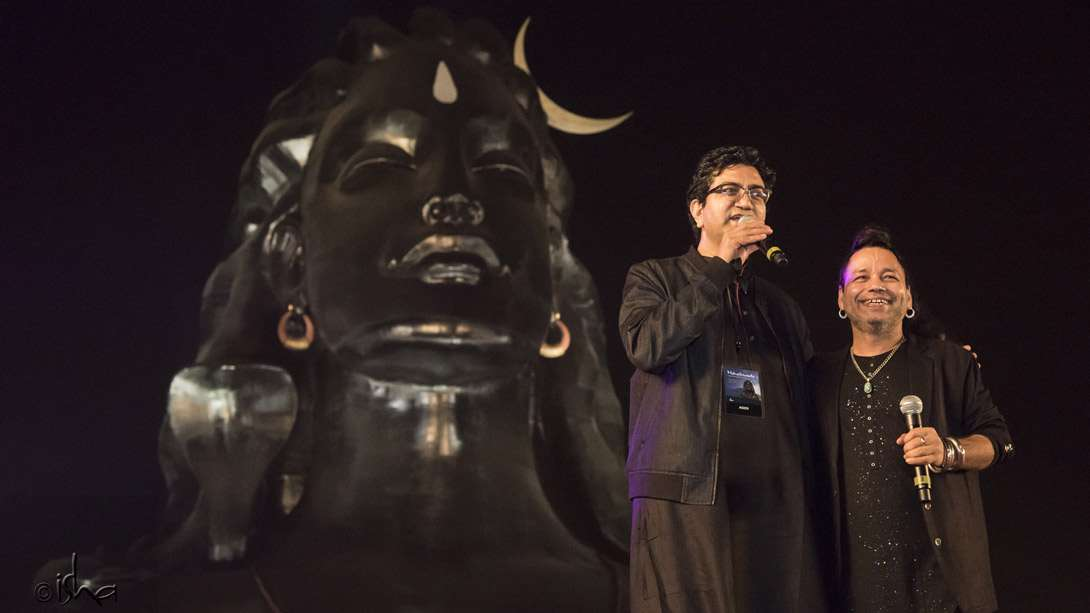 Lyricist Prasoon Joshi with singer and composer Kailash Kher enjoying the success of their song, Adiyogi: The Source of Yoga, which has become an instant hit on YouTube