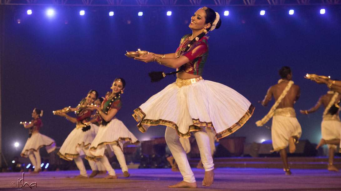 A world-class performance by the contemporary Indian dance collective Nritarutya