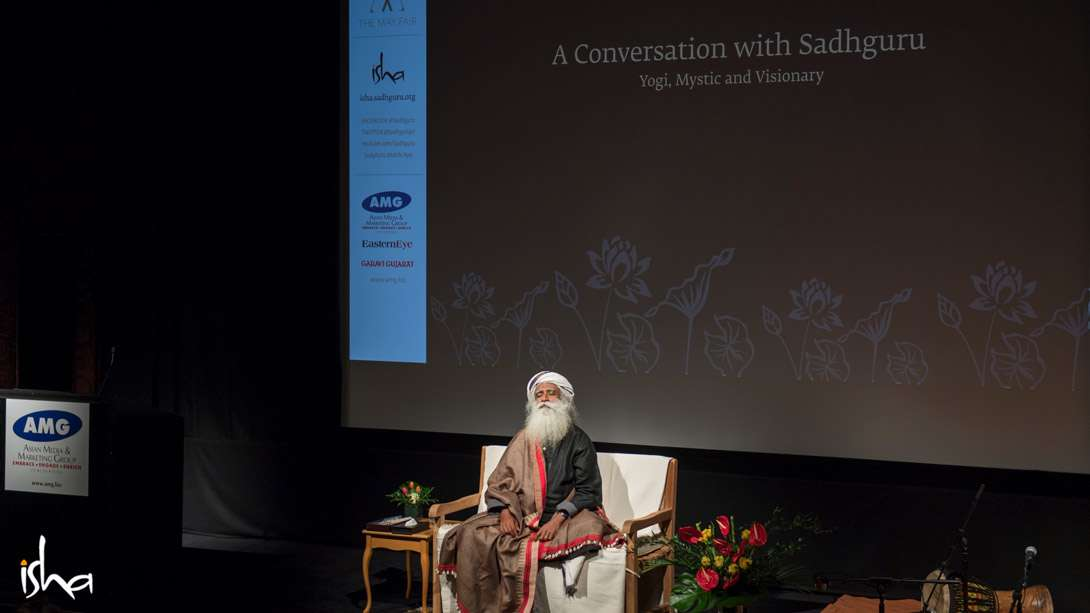 Sadhguru at the Thought Leaders event organized by Asian Media and Marketing Group, April 3, 2017