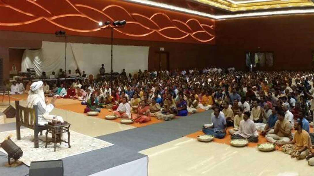 Close to 2000 People in Puducherry Plus Many More in 94 Other  Centers Join Sadhguru Live for a Morning Satsang on April 19