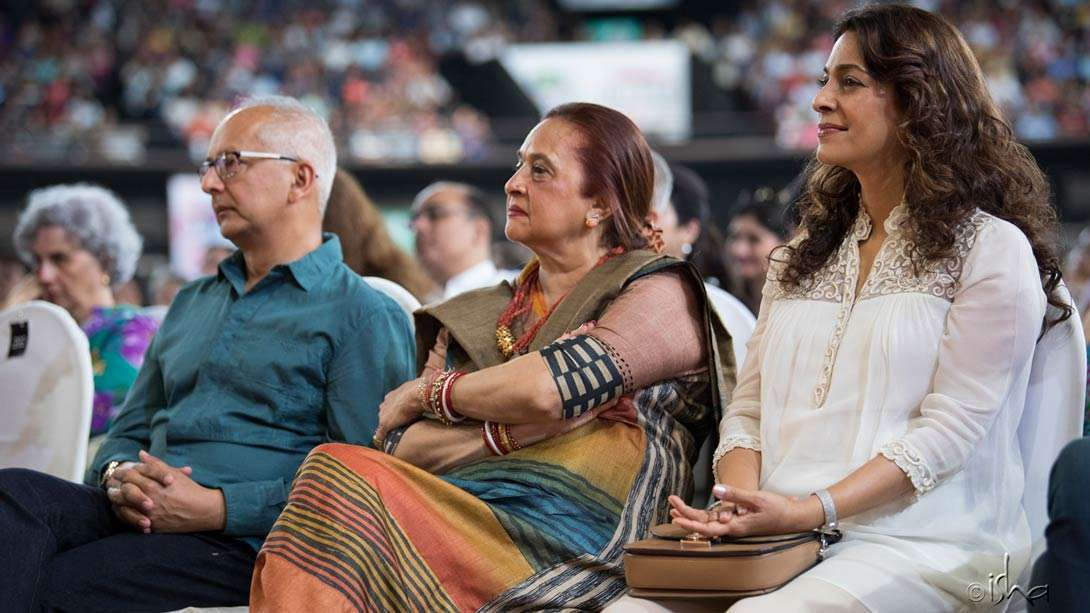 Many notable audience members could be spotted on this occasion – here Juhi Chawla, among others