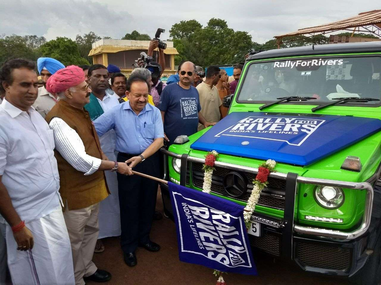 Rally For Rivers – Flag Off