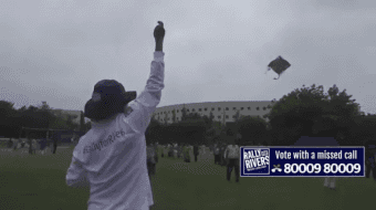 Sadhguru Flying a Kite During Rally For Rivers