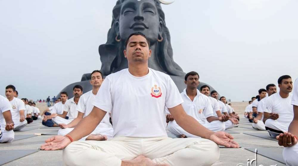 Isha Yoga Offers Tools for Wellbeing to BSF Personnel