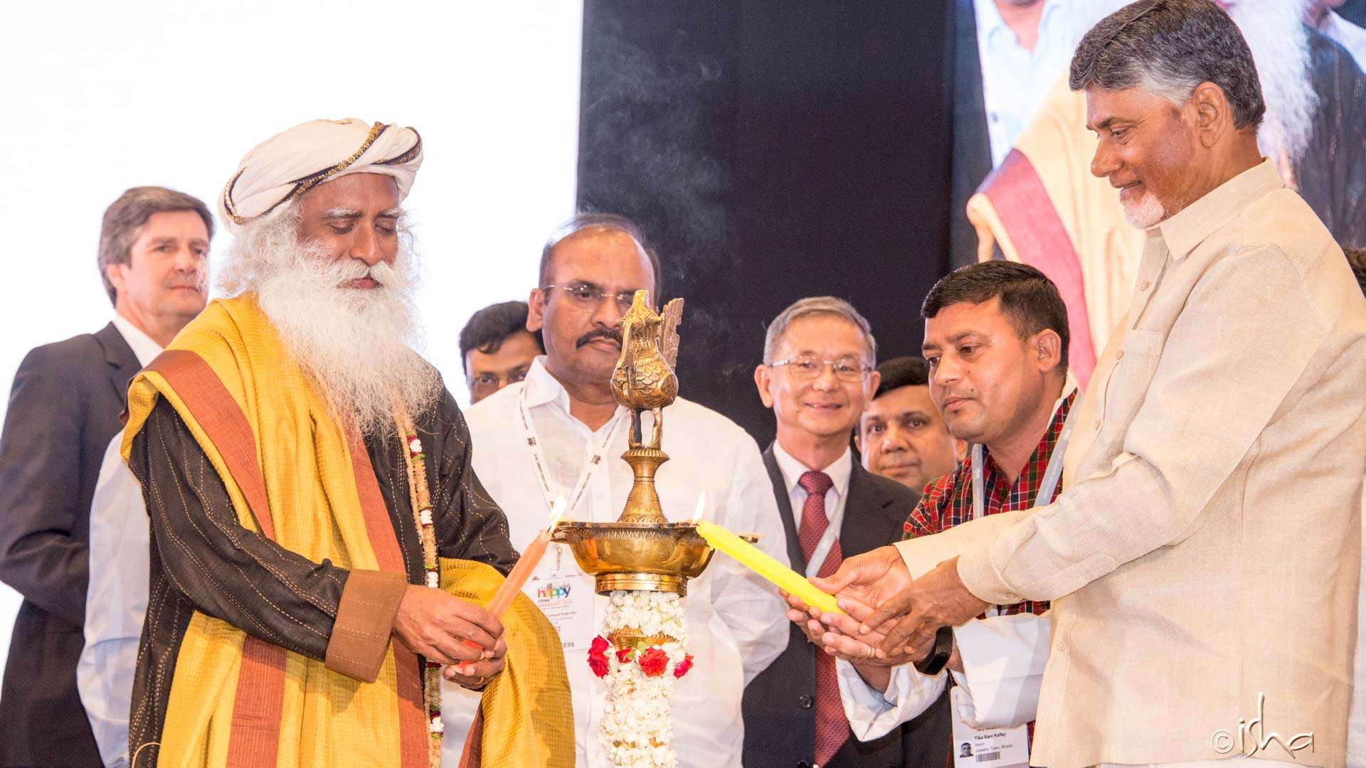 Sadhguru and Andhra Pradesh Chief Minister N. Chandrababu Naidu inaugurating the - Happy Cities Summit 2018 - in Amaravati