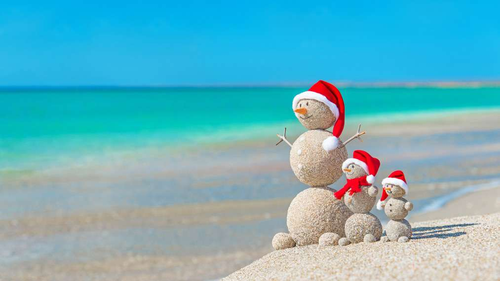 relationships-snowman-family-beach